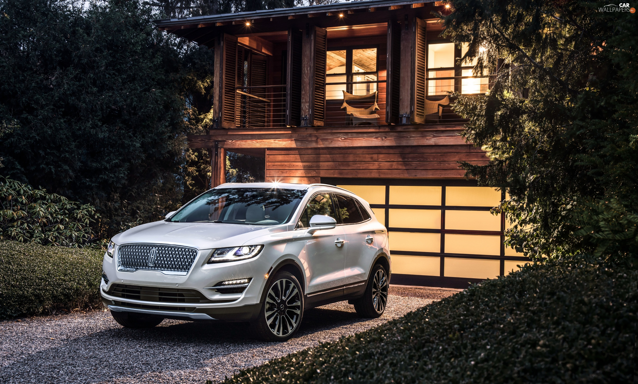 house, Lincoln MKC, Front