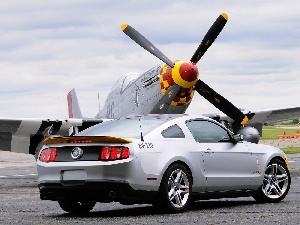 Ford Mustang, plane