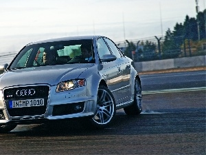RS4, track