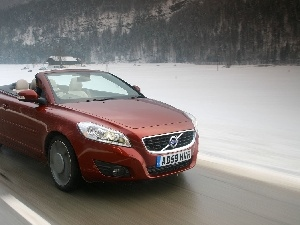Volvo C-70, winter